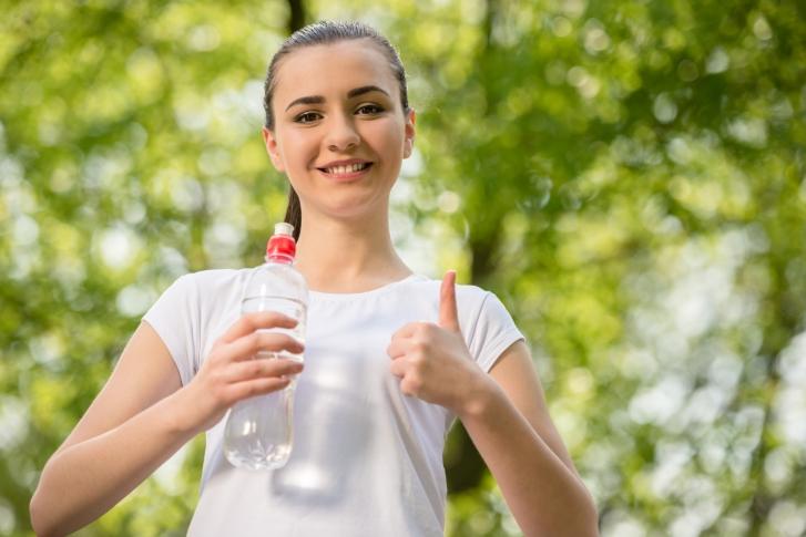 salir a correr con calor: hidratación
